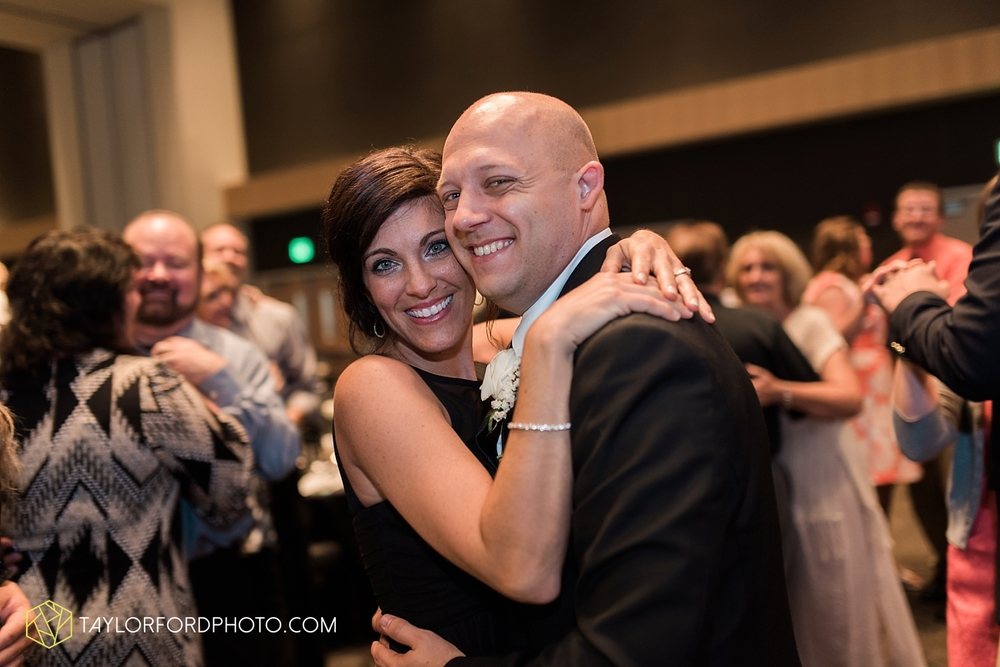 fort_wayne_indiana_wedding_photographer_taylor_ford_ipfw_ballroom_1647.jpg