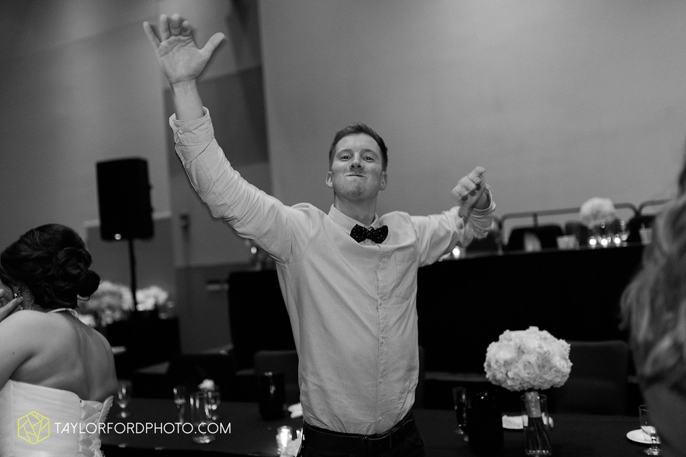 fort_wayne_indiana_wedding_photographer_taylor_ford_ipfw_ballroom_1653.jpg