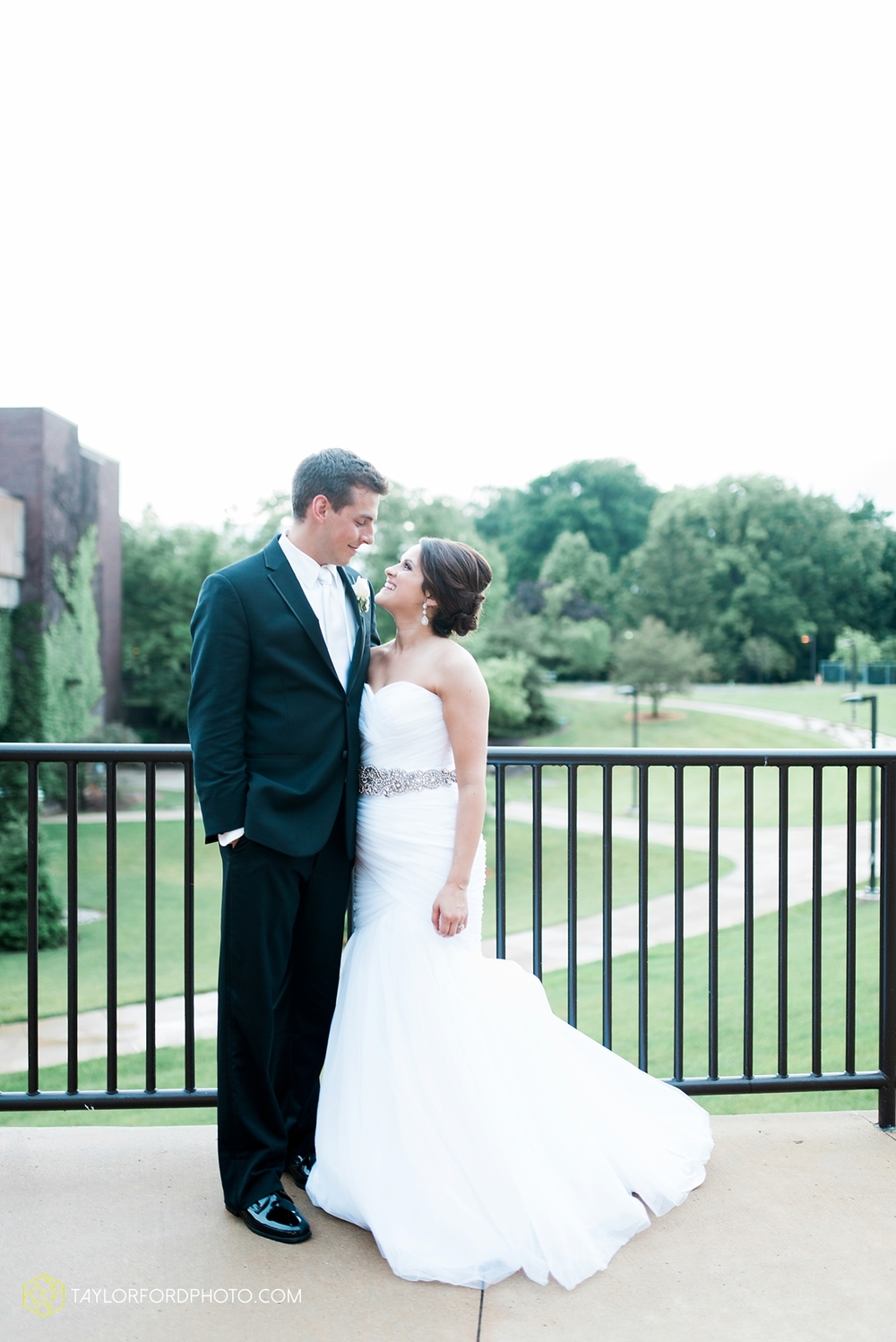 fort_wayne_indiana_wedding_photographer_taylor_ford_ipfw_ballroom_1656.jpg