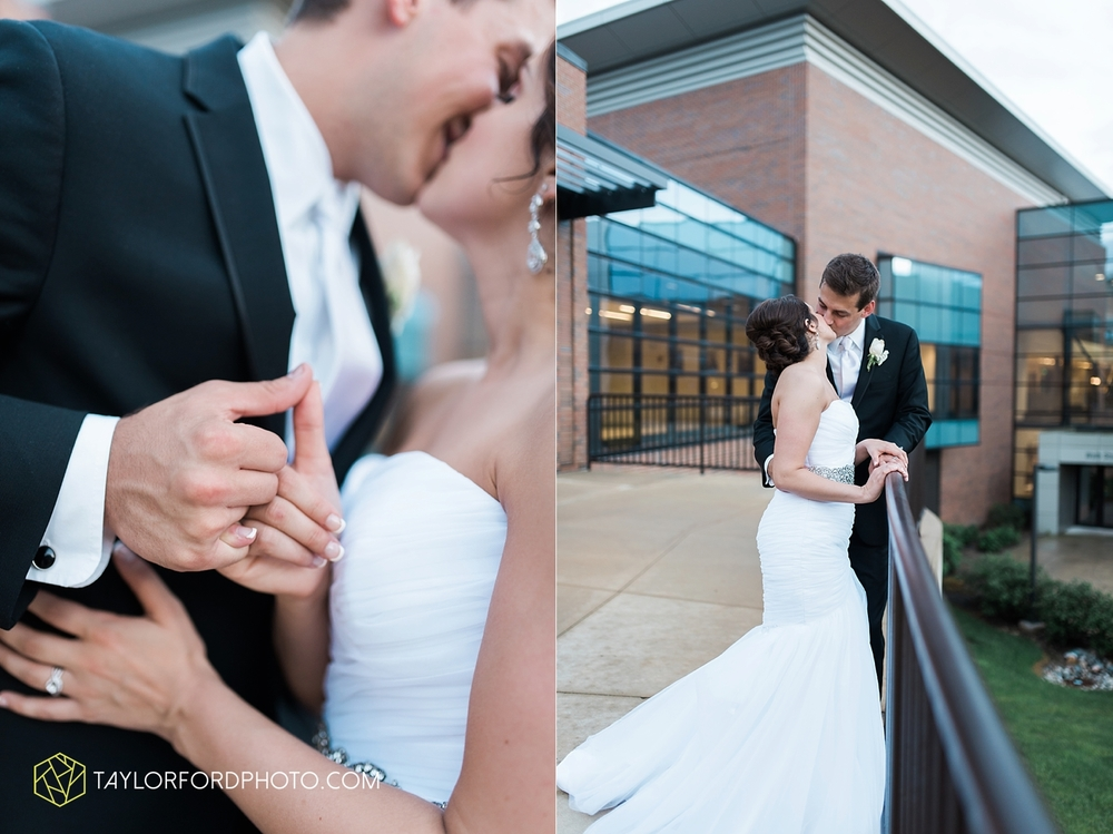 fort_wayne_indiana_wedding_photographer_taylor_ford_ipfw_ballroom_1658.jpg