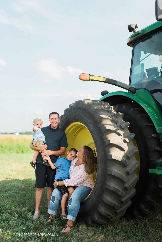 van_wert_ohio_farm_family_photographer_taylor_ford_wedding_1846.jpg