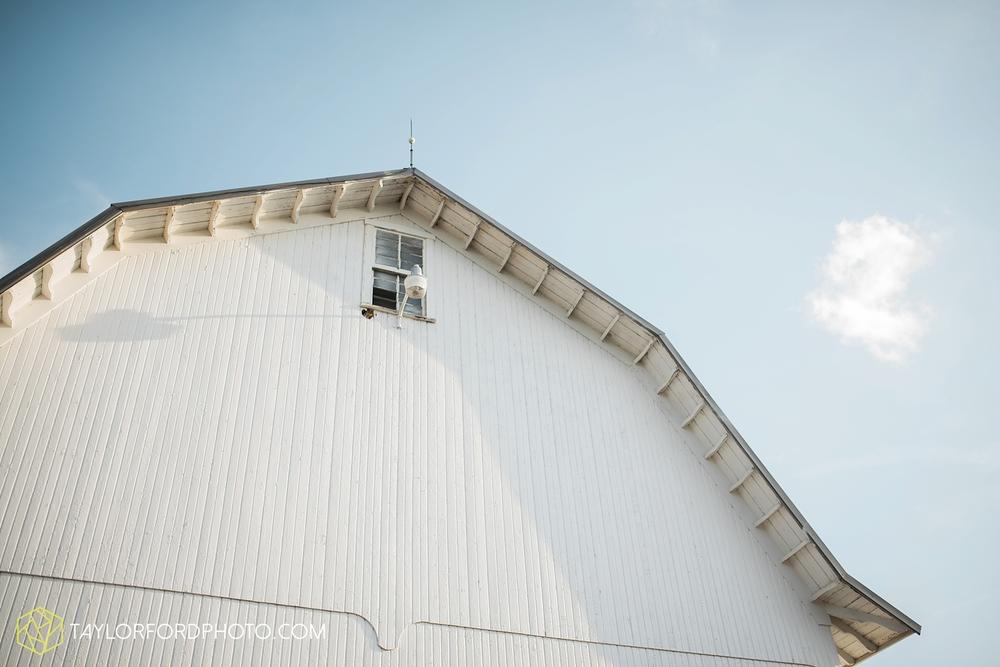 van_wert_ohio_farm_family_photographer_taylor_ford_wedding_1857.jpg