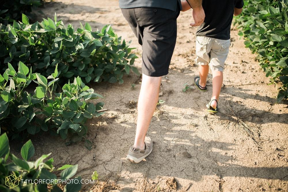 van_wert_ohio_farm_family_photographer_taylor_ford_wedding_1855.jpg
