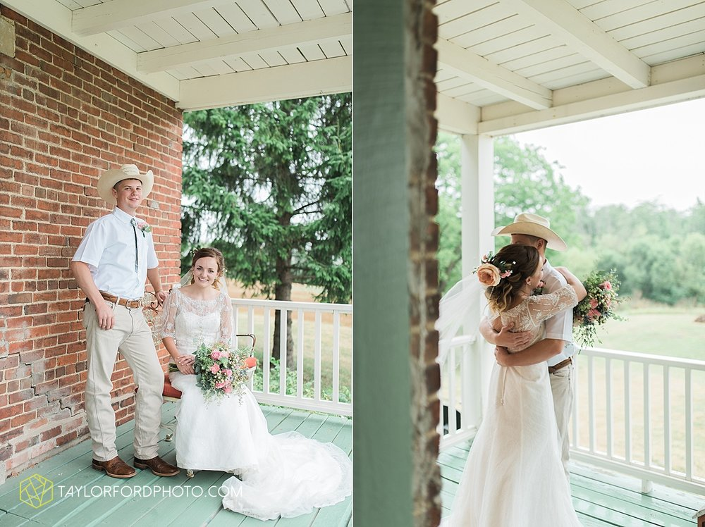 fort_wayne_indiana_wedding_photographer_taylor_ford_marian_hills_farm_0216.jpg