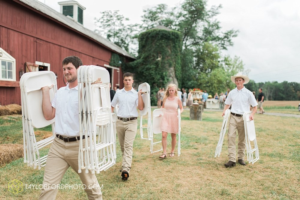 fort_wayne_indiana_wedding_photographer_taylor_ford_marian_hills_farm_0294.jpg