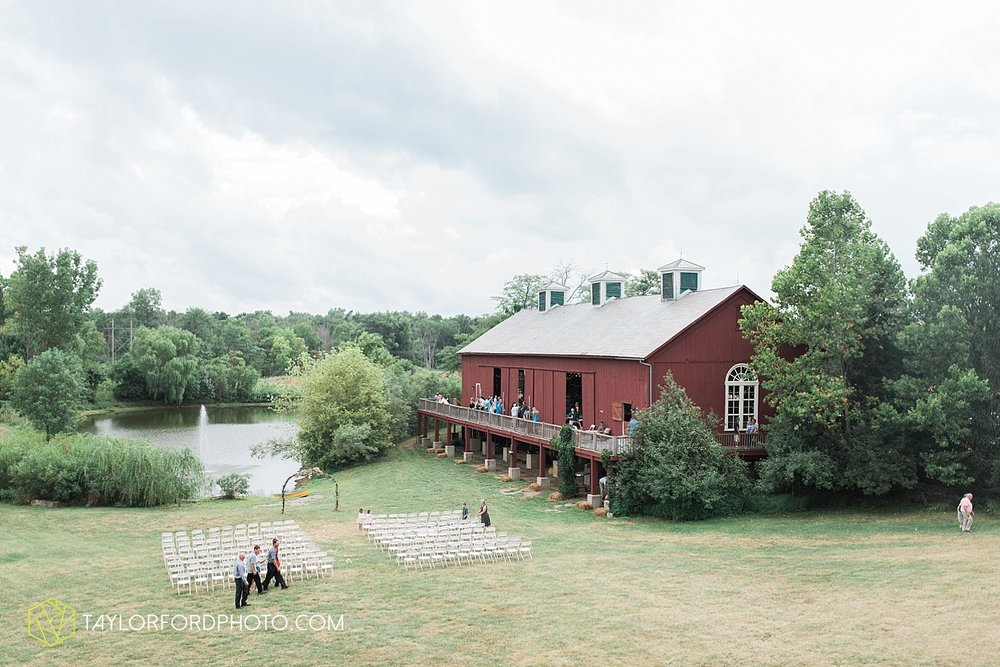 fort_wayne_indiana_wedding_photographer_taylor_ford_marian_hills_farm_0298.jpg