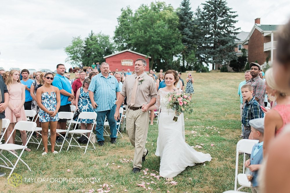 fort_wayne_indiana_wedding_photographer_taylor_ford_marian_hills_farm_0304.jpg