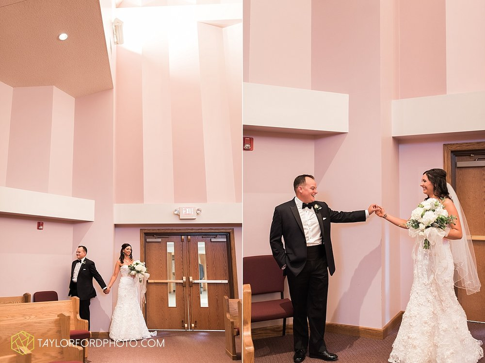 fort_wayne_indiana_wedding_photographer_taylor_ford_dupont_downs_0450.jpg