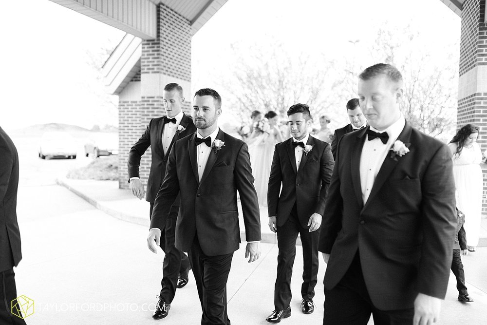 fort_wayne_indiana_wedding_photographer_taylor_ford_dupont_downs_0452.jpg