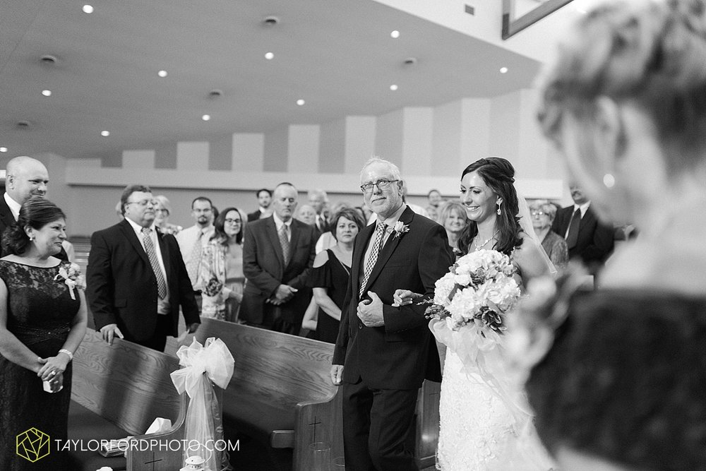 fort_wayne_indiana_wedding_photographer_taylor_ford_dupont_downs_0461.jpg