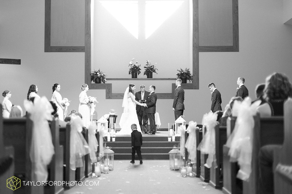 fort_wayne_indiana_wedding_photographer_taylor_ford_dupont_downs_0462.jpg
