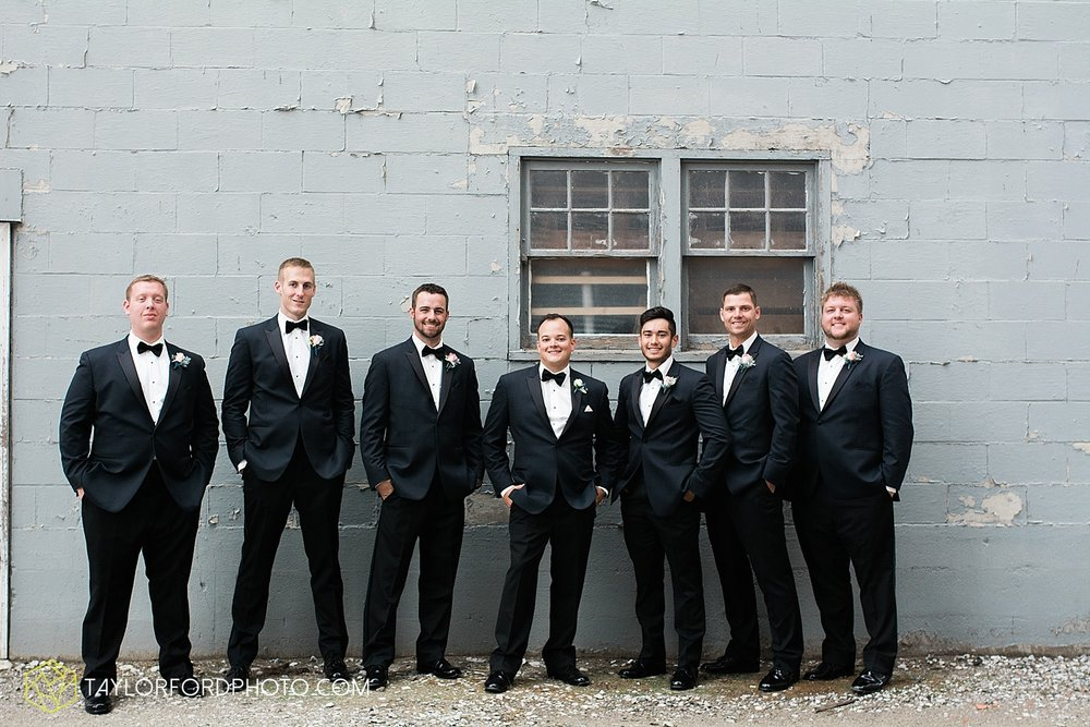 fort_wayne_indiana_wedding_photographer_taylor_ford_dupont_downs_0463.jpg