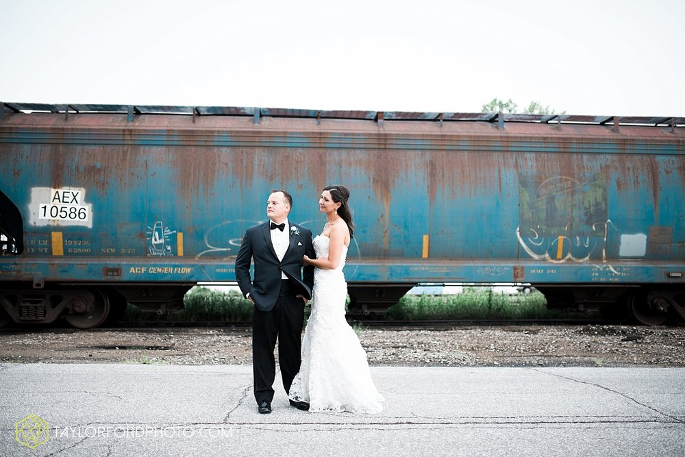 fort_wayne_indiana_wedding_photographer_taylor_ford_dupont_downs_0479.jpg