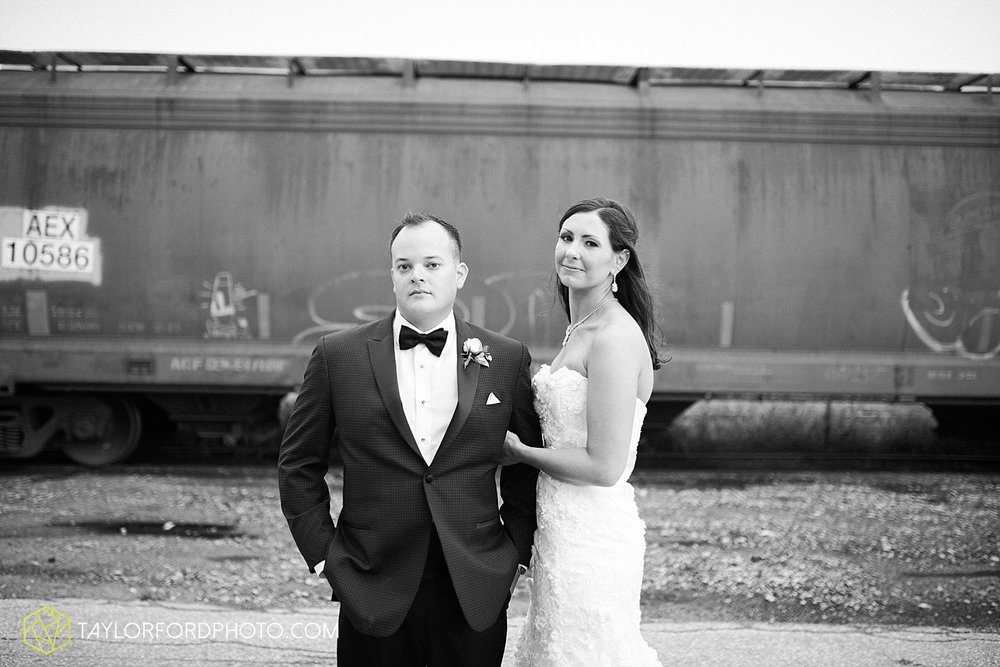 fort_wayne_indiana_wedding_photographer_taylor_ford_dupont_downs_0480.jpg
