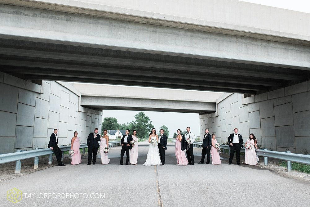 fort_wayne_indiana_wedding_photographer_taylor_ford_dupont_downs_0483.jpg