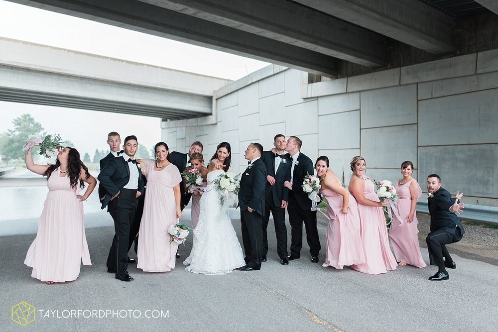 fort_wayne_indiana_wedding_photographer_taylor_ford_dupont_downs_0486.jpg