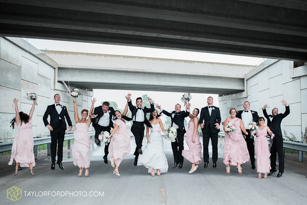 fort_wayne_indiana_wedding_photographer_taylor_ford_dupont_downs_0487.jpg