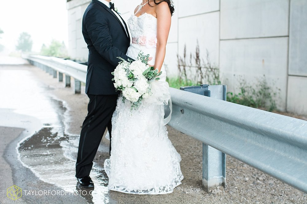 fort_wayne_indiana_wedding_photographer_taylor_ford_dupont_downs_0488.jpg