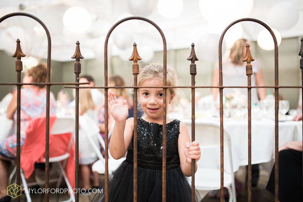 fort_wayne_indiana_wedding_photographer_taylor_ford_dupont_downs_0535.jpg