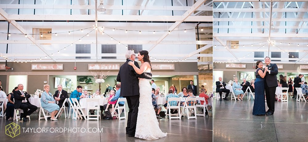 fort_wayne_indiana_wedding_photographer_taylor_ford_dupont_downs_0542.jpg