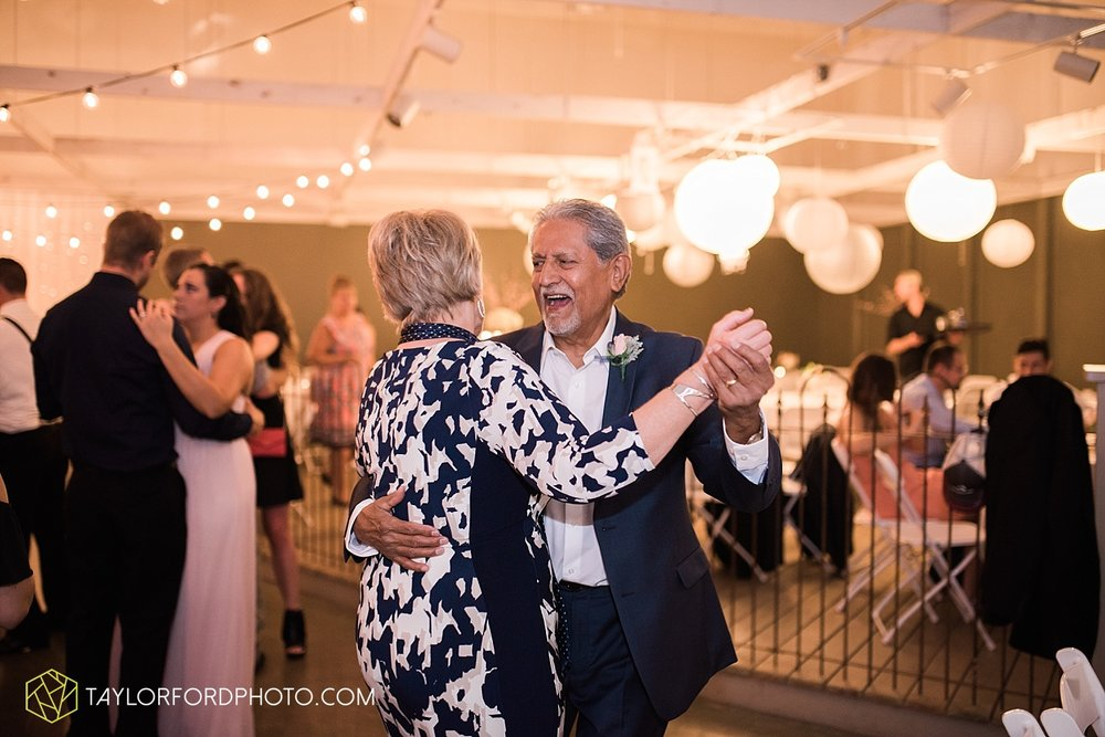 fort_wayne_indiana_wedding_photographer_taylor_ford_dupont_downs_0545.jpg