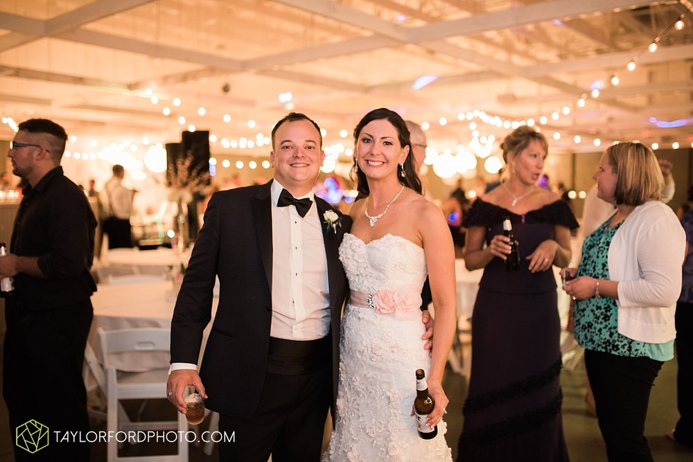 fort_wayne_indiana_wedding_photographer_taylor_ford_dupont_downs_0550.jpg
