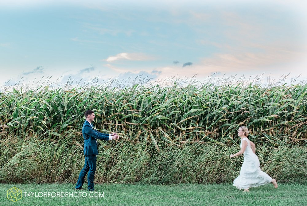 fort_wayne_indiana_van_wert_columbus_ohio_nashville_tennessee_photographer_taylor_ford_shoppes_at_old_mill_wedding_0742.jpg