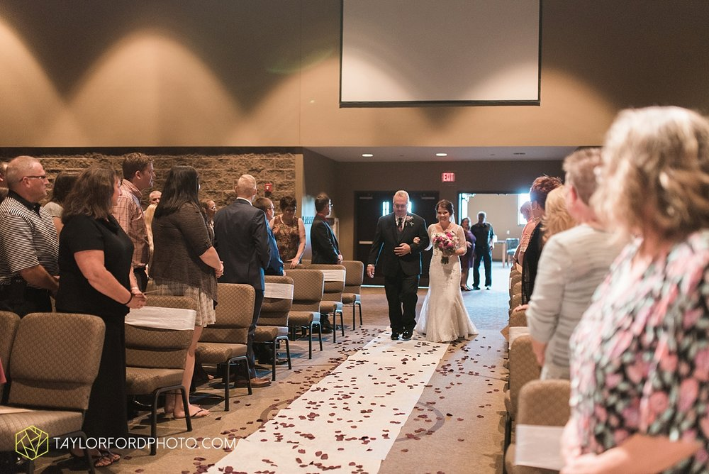 van_wert_ohio_fort_wayne_indiana_wedding_photographer_taylor_ford_cerutis_catering_2822.jpg