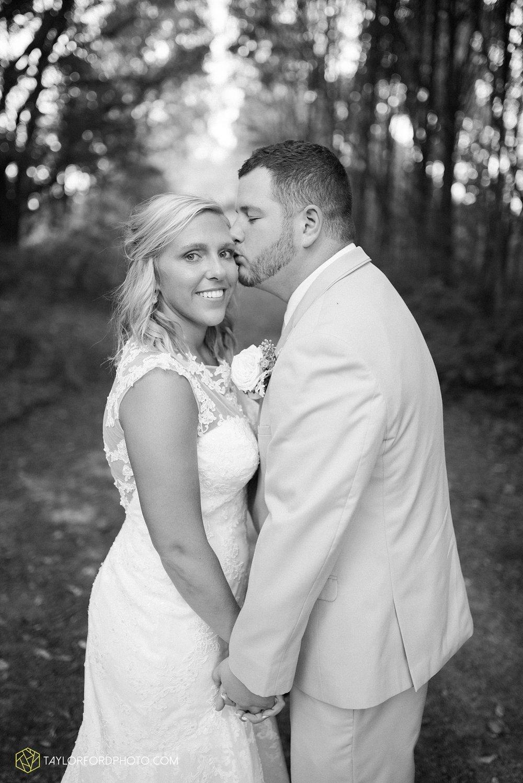 van_wert_ohio_fort_wayne_warsaw_indiana_wedding_photographer_taylor_ford_silver_lake_2941.jpg