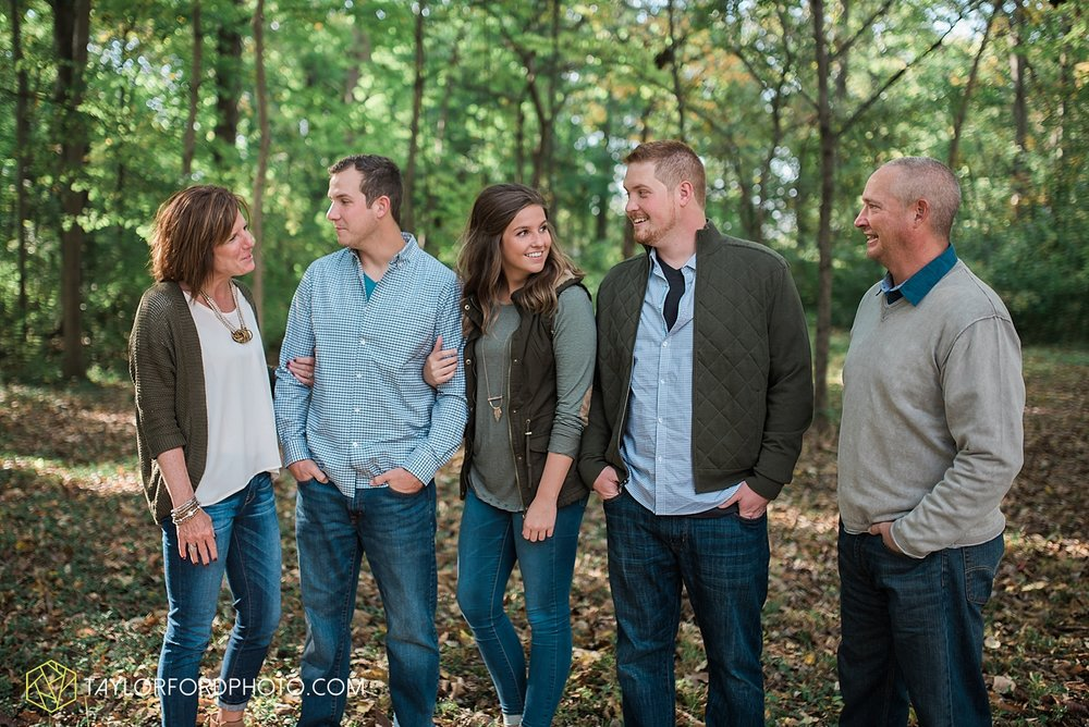 van_wert_ohio_fort_wayne_indiana_family_photographer_taylor_ford_3068.jpg