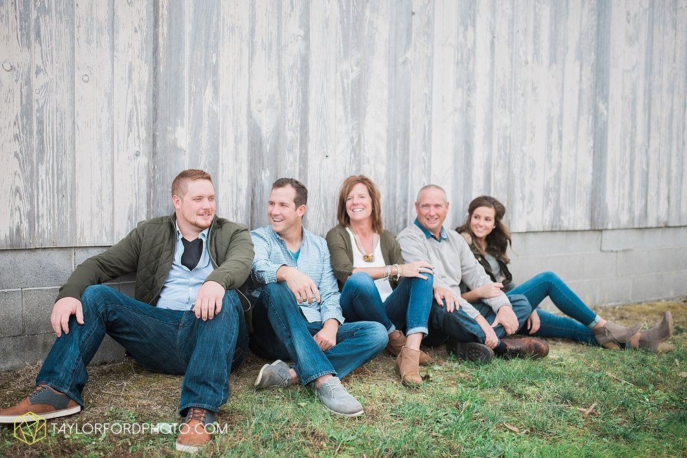 van_wert_ohio_fort_wayne_indiana_family_photographer_taylor_ford_3074.jpg