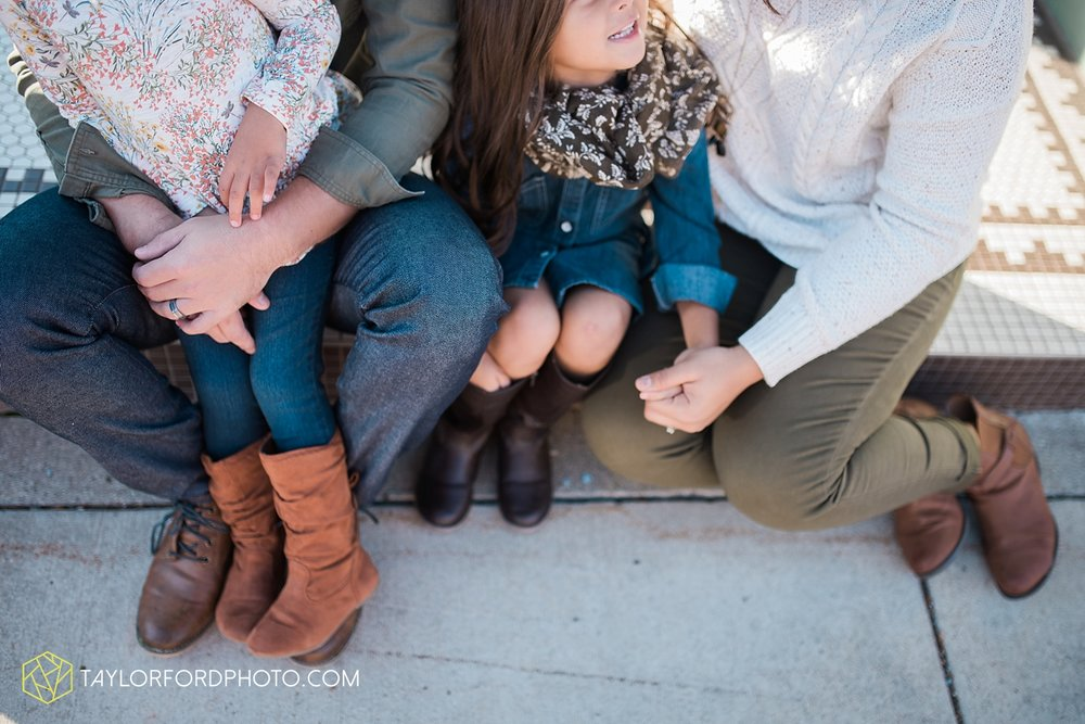 van_wert_ohio_downtown_main_street_fort_wayne_indiana_family_photographer_taylor_ford_3188.jpg