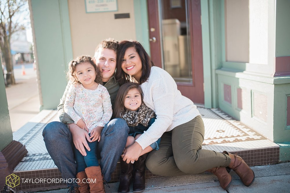 van_wert_ohio_downtown_main_street_fort_wayne_indiana_family_photographer_taylor_ford_3189.jpg
