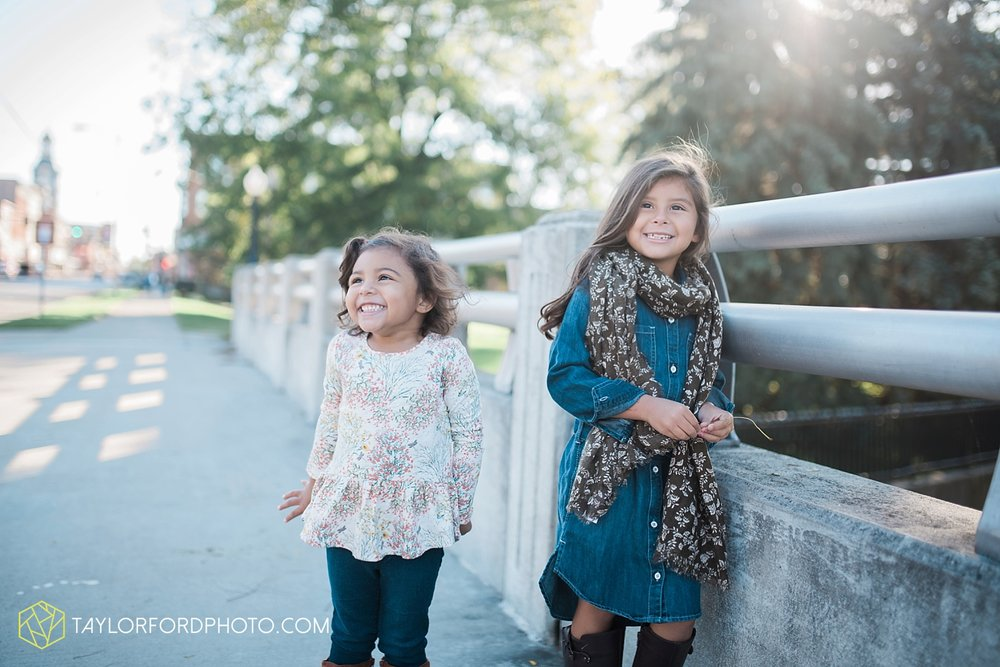 van_wert_ohio_downtown_main_street_fort_wayne_indiana_family_photographer_taylor_ford_3194.jpg