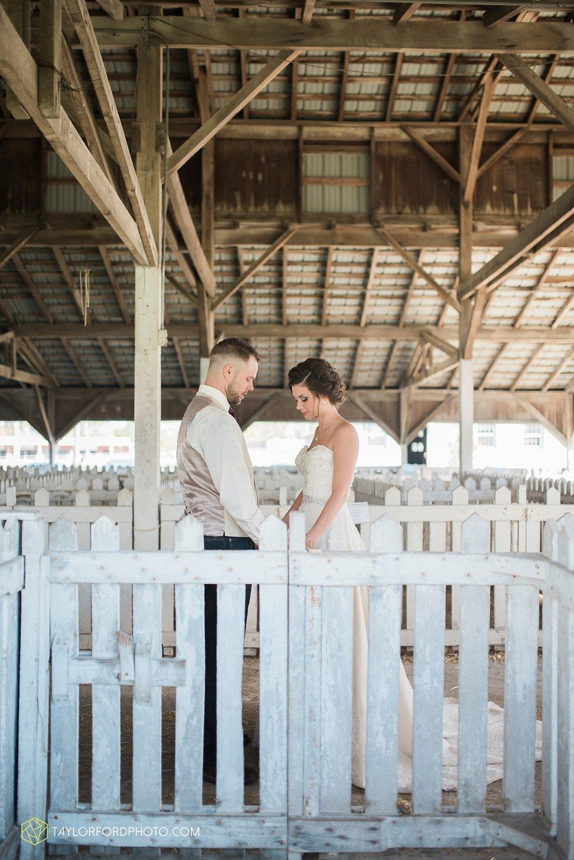 van_wert_ohio_dairy_barn_fairgrounds_fort_wayne_indiana_wedding_photographer_taylor_ford_3257.jpg