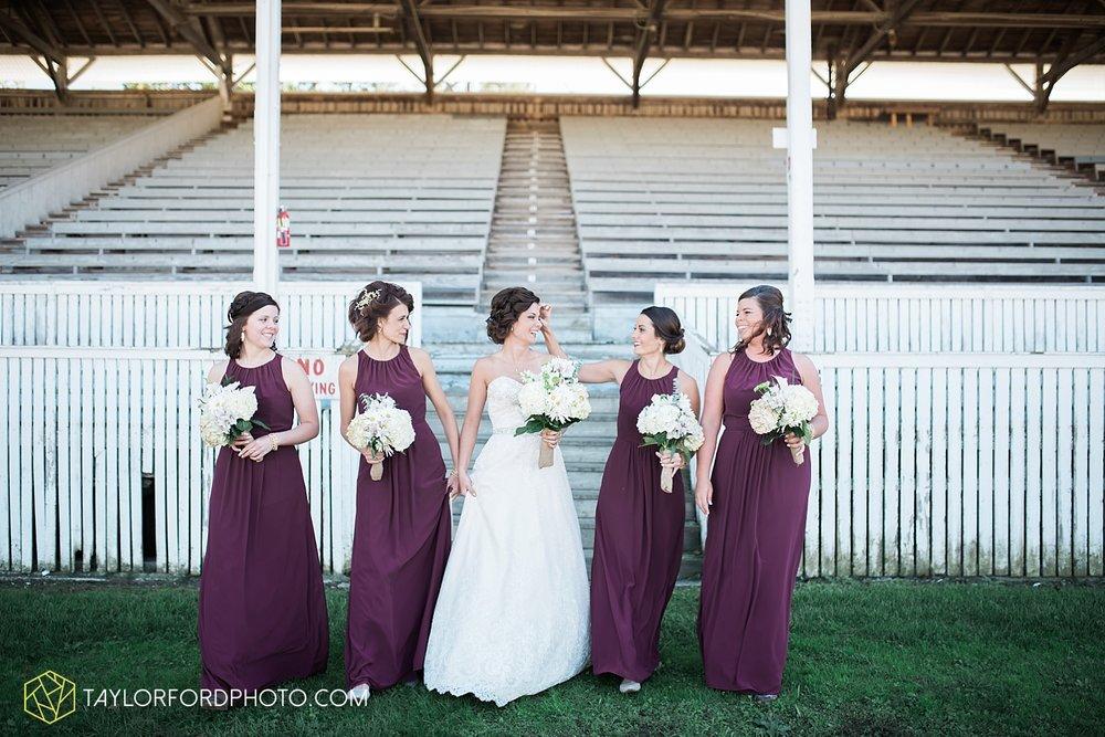 van_wert_ohio_dairy_barn_fairgrounds_fort_wayne_indiana_wedding_photographer_taylor_ford_3264.jpg