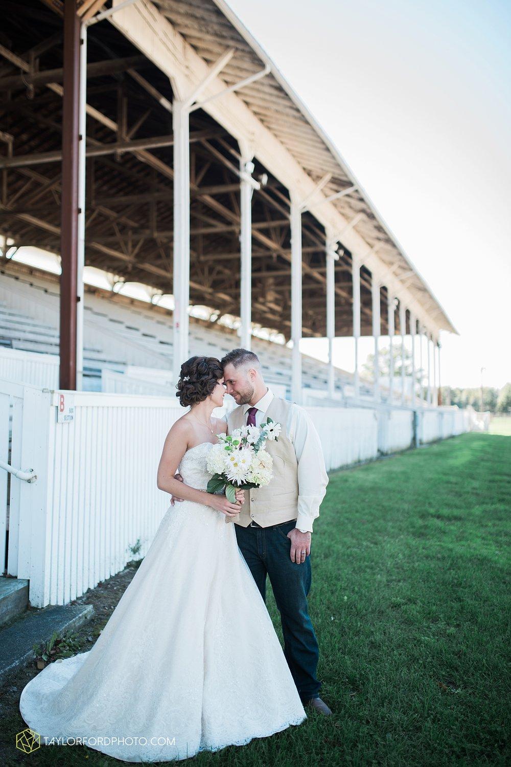 van_wert_ohio_dairy_barn_fairgrounds_fort_wayne_indiana_wedding_photographer_taylor_ford_3268.jpg