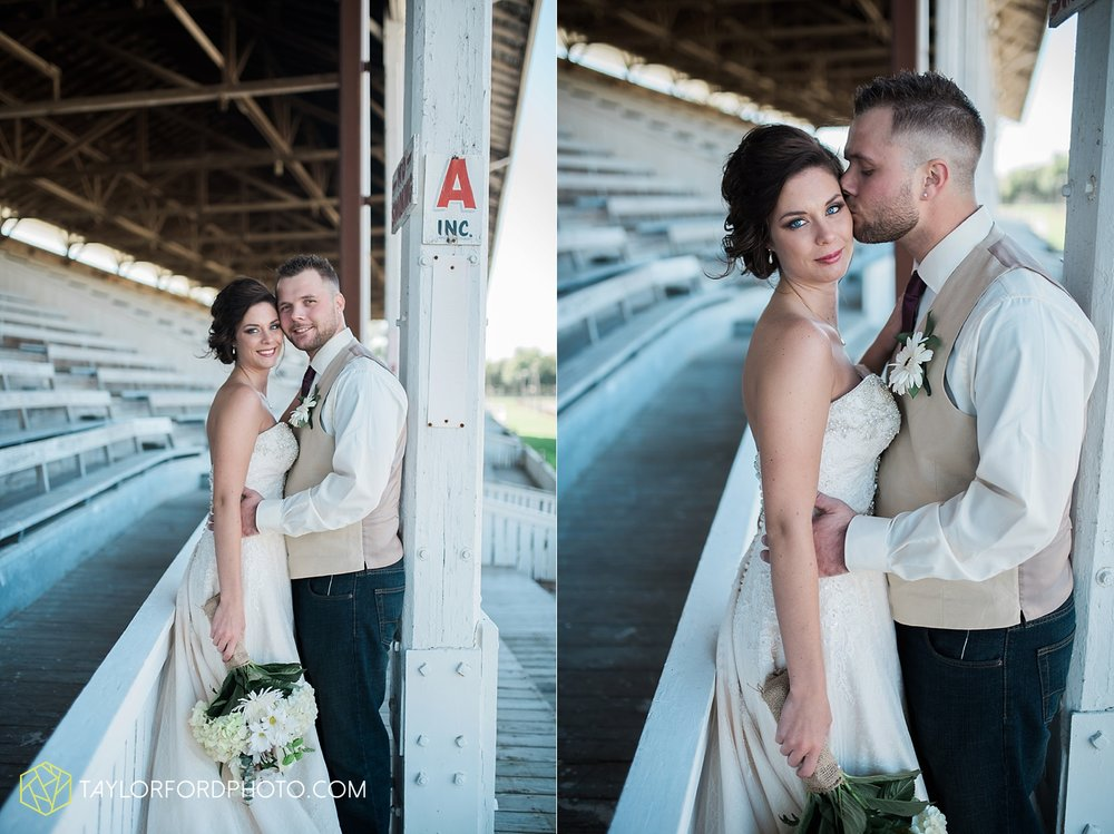 van_wert_ohio_dairy_barn_fairgrounds_fort_wayne_indiana_wedding_photographer_taylor_ford_3269.jpg