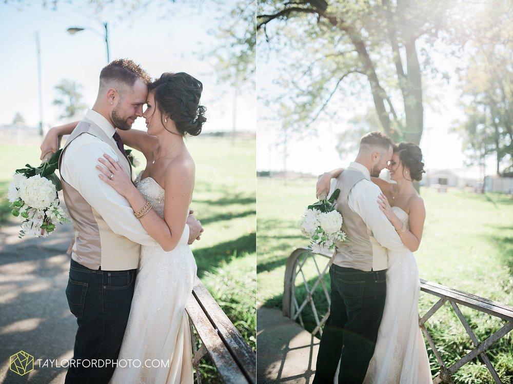 van_wert_ohio_dairy_barn_fairgrounds_fort_wayne_indiana_wedding_photographer_taylor_ford_3316.jpg