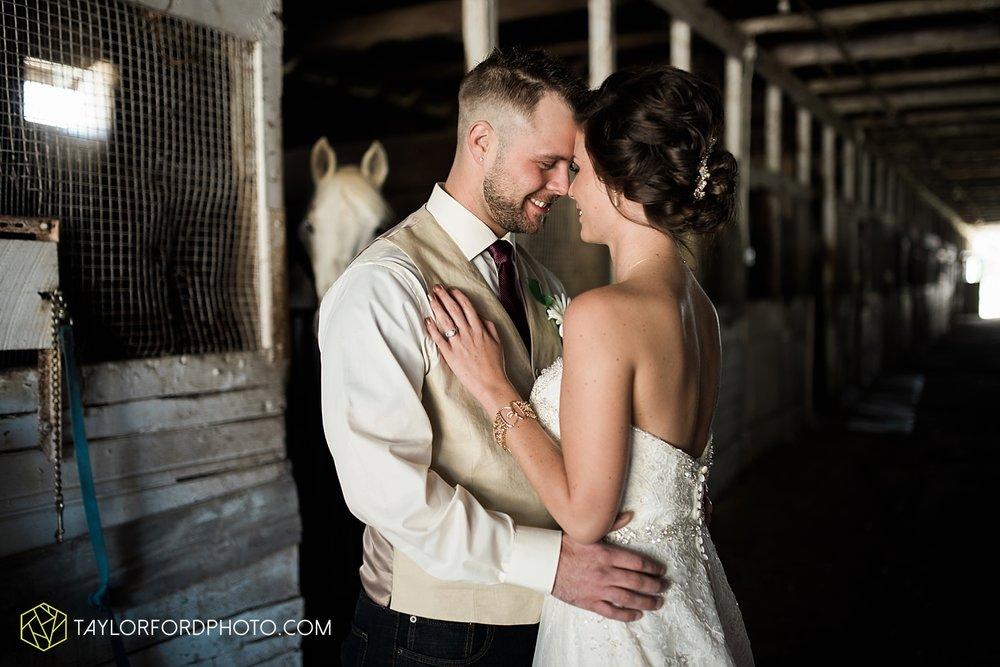 van_wert_ohio_dairy_barn_fairgrounds_fort_wayne_indiana_wedding_photographer_taylor_ford_3317.jpg