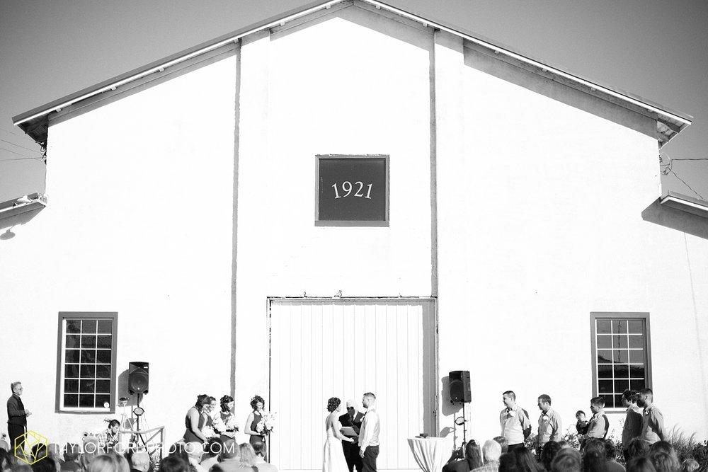 van_wert_ohio_dairy_barn_fairgrounds_fort_wayne_indiana_wedding_photographer_taylor_ford_3323.jpg