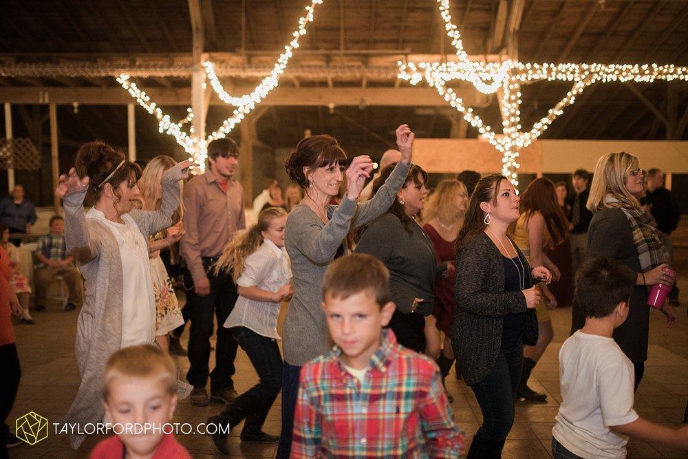van_wert_ohio_dairy_barn_fairgrounds_fort_wayne_indiana_wedding_photographer_taylor_ford_3336.jpg