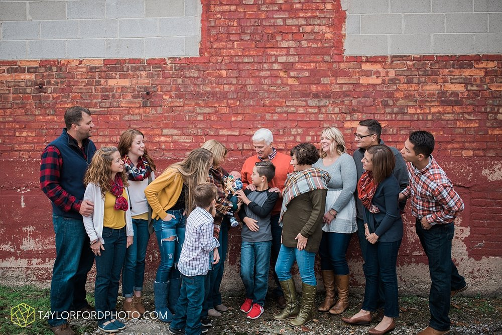 van_wert_ohio_fort_wayne_indiana_family_photographer_taylor_ford_3558.jpg