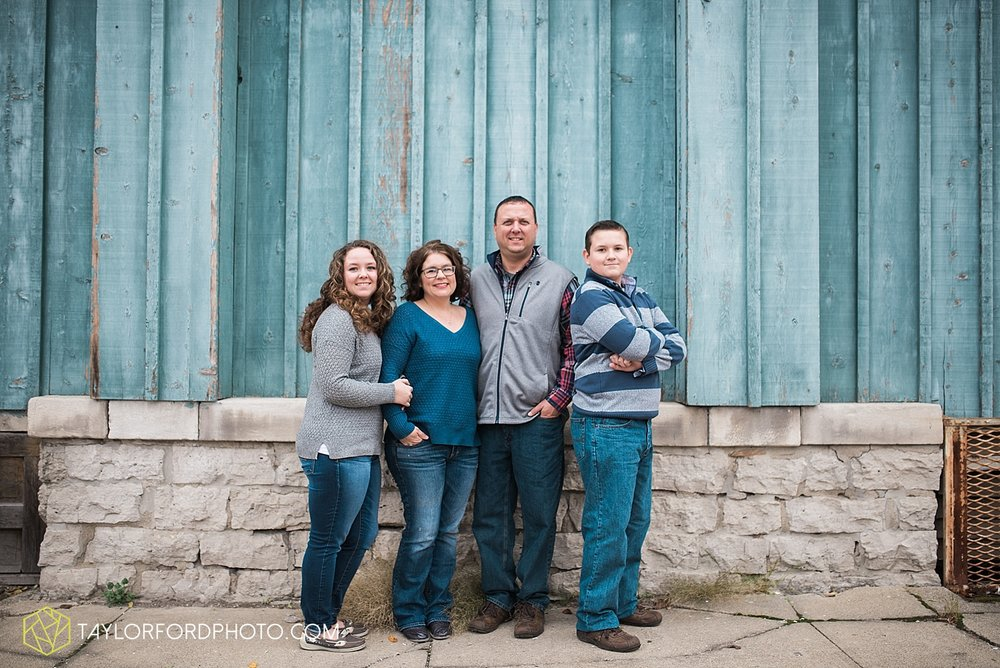 fort_wayne_indiana_van_wert_columbus_ohio_nashville_tennessee_syracuse_indiana_lake_wawasee_photographer_taylor_ford_family_0883.jpg