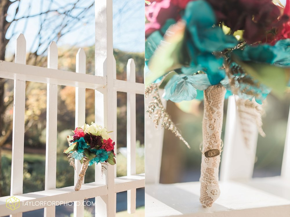 gatlinburg_tennessee_photographer_taylor_ford_weddings_enchanted_valley_barn_3775.jpg