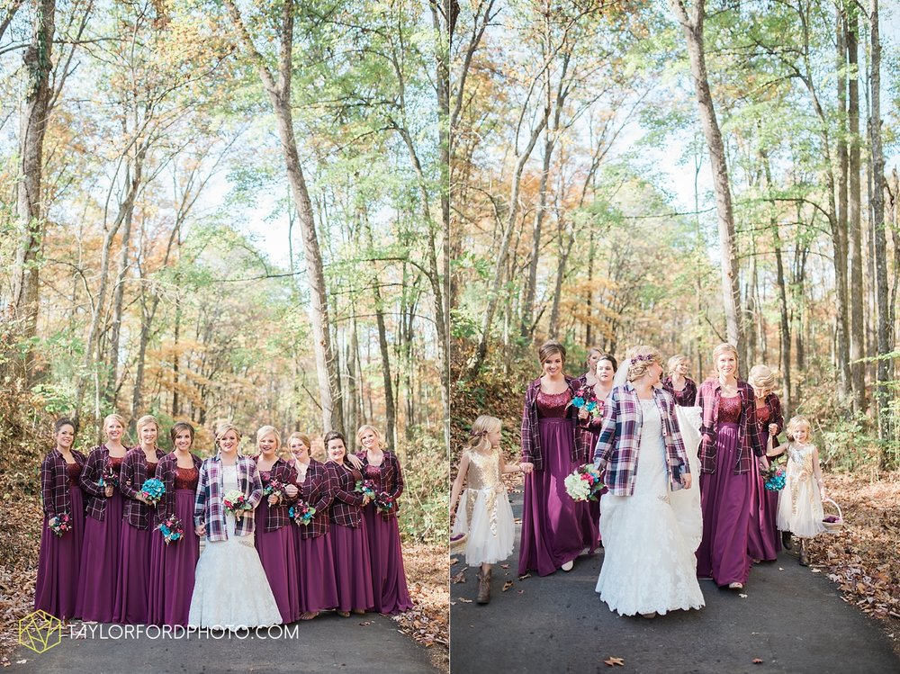 gatlinburg_tennessee_photographer_taylor_ford_weddings_enchanted_valley_barn_3790.jpg