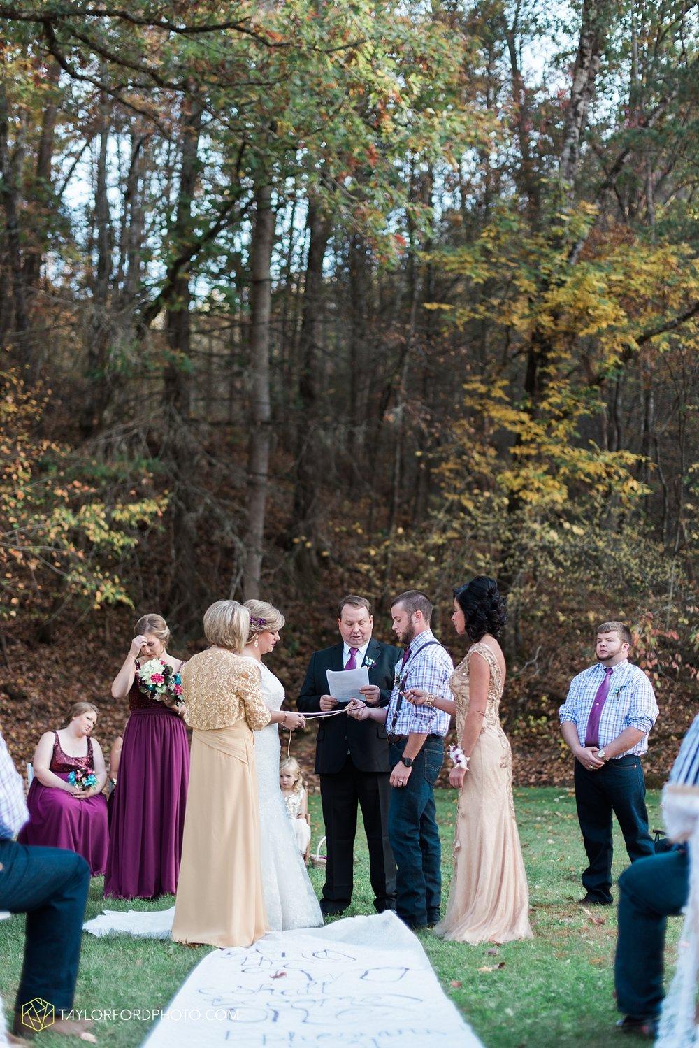 gatlinburg_tennessee_photographer_taylor_ford_weddings_enchanted_valley_barn_3863.jpg