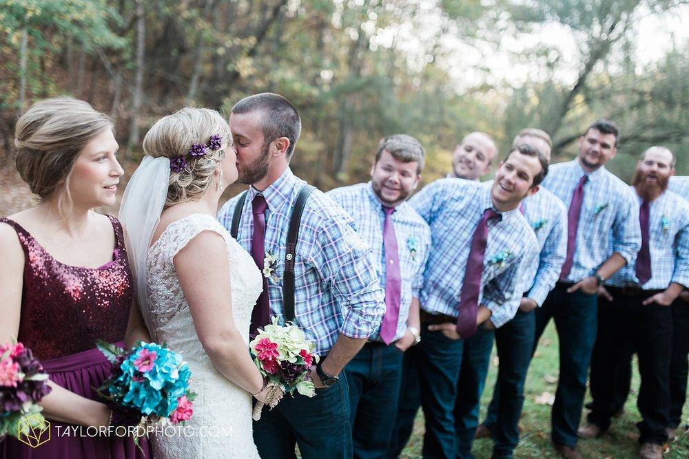 gatlinburg_tennessee_photographer_taylor_ford_weddings_enchanted_valley_barn_3868.jpg