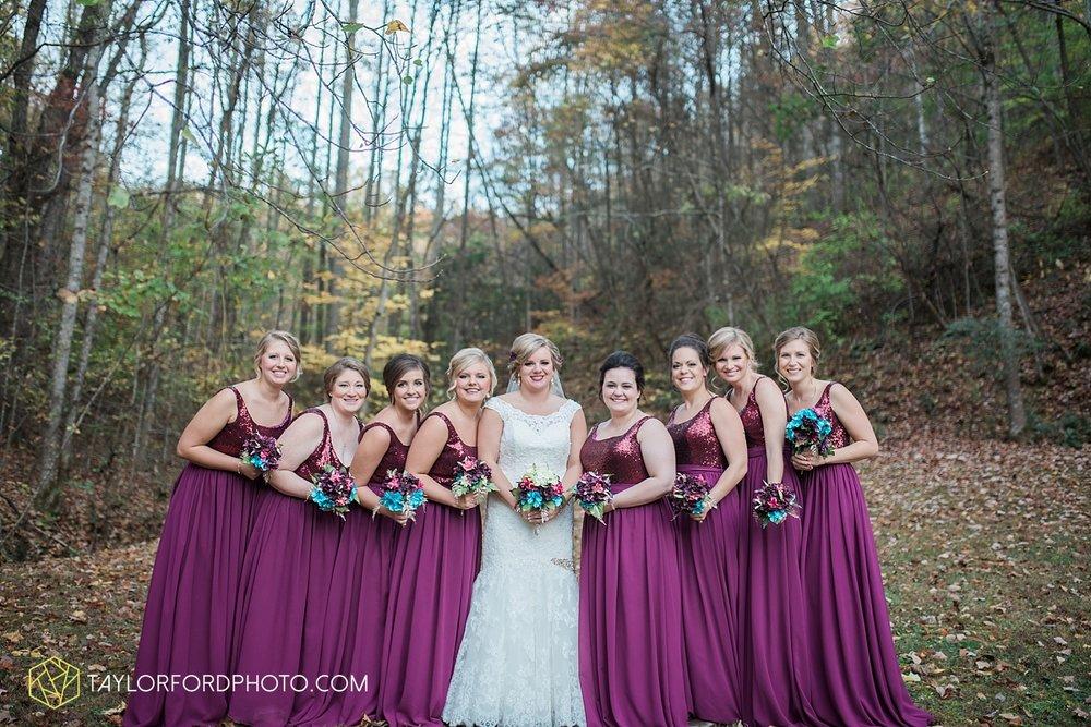 gatlinburg_tennessee_photographer_taylor_ford_weddings_enchanted_valley_barn_3871.jpg