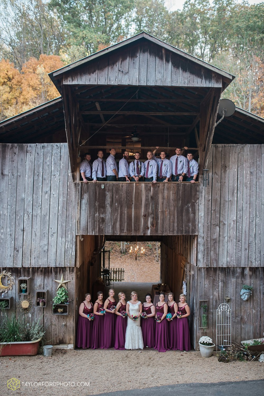 gatlinburg_tennessee_photographer_taylor_ford_weddings_enchanted_valley_barn_3876.jpg